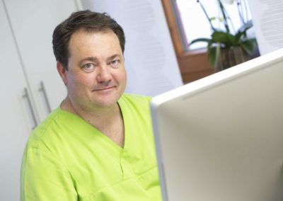 Dr. Frank Jeckel